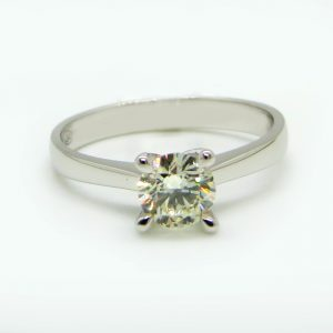 Prima Lux engagement ring white gold