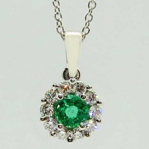 Prima Lux White gold halo pendant emerald and diamonds